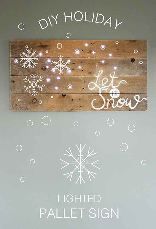 holiday-pallet-sign-lighted-on