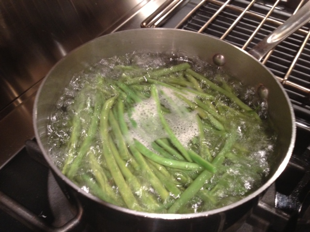 Green beans boiling