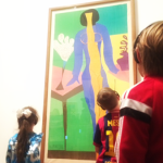 kids viewing art