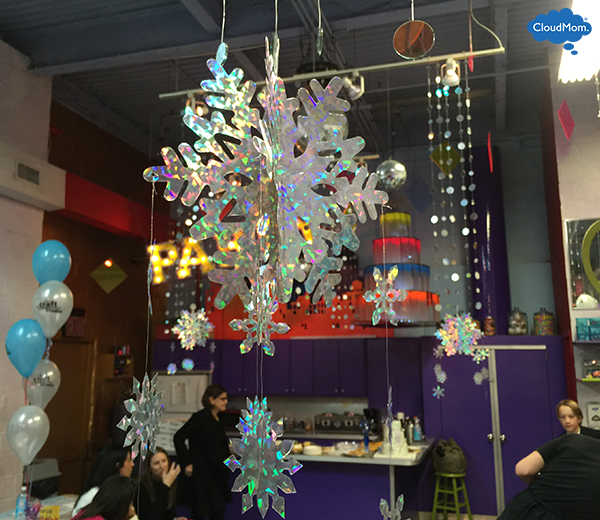 snowflake-party-decorations