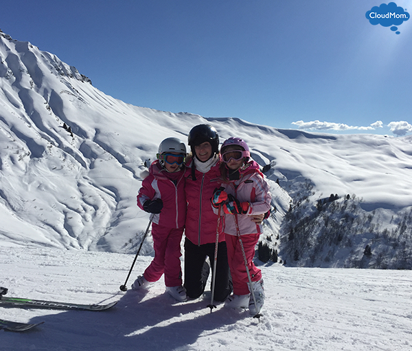melissa-and-daughters-skiing