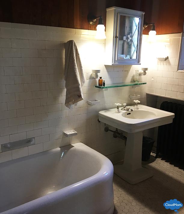 gillette castle state park bathroom
