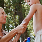getting kids to wear sunscreen