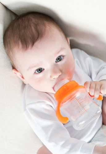 Storing Breast Milk in Fridge vs Freezing Breast Milk