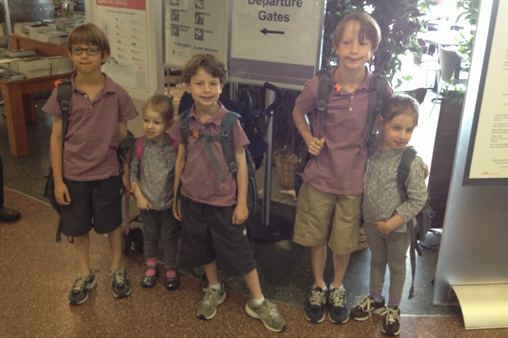 5 Steps to Flying With 5 Kids