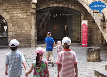 Visiting the Museum of the History of Barcelona with kids