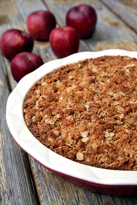 vegan-apple-crumb-pie