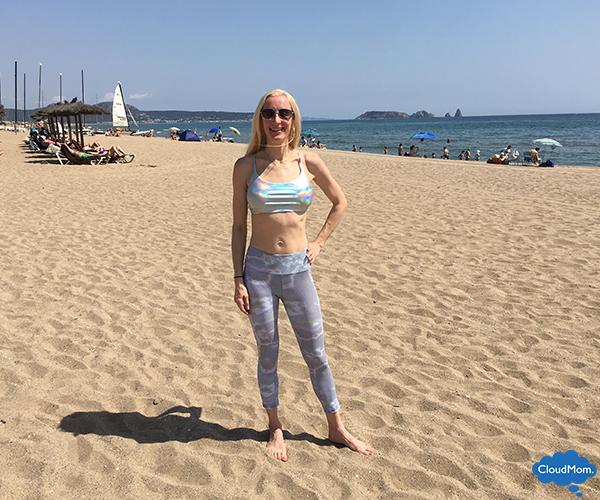 beach yoga with Onzie
