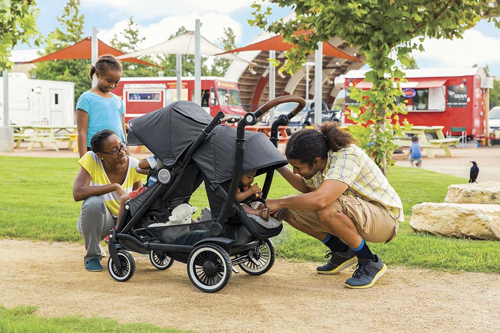 The Entourage Stroller by Austlen Baby Co.