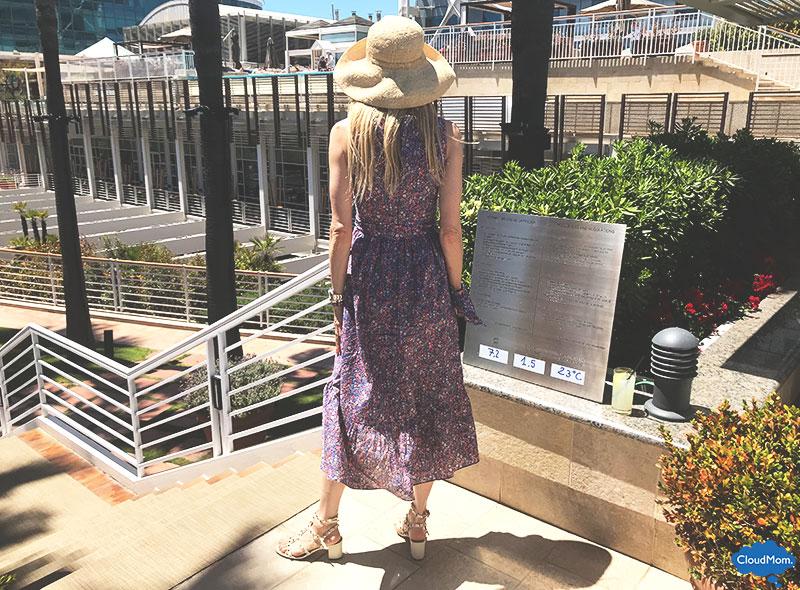 sleeveless cotton dress style