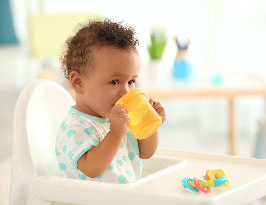 Top 5 Sippy Cups for Transitioning Baby from Bottle
